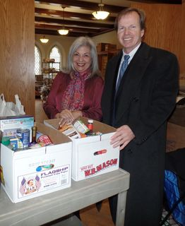 Register O'Donnell Delivers Donated Food to Brookline Food Pantry
